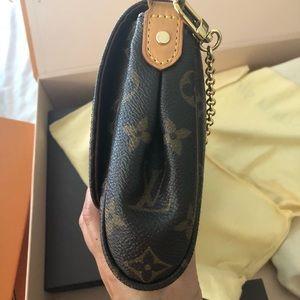 f75e06caace9 Louis Vuitton Bags - Authentic Louis Vuitton Favorite MM